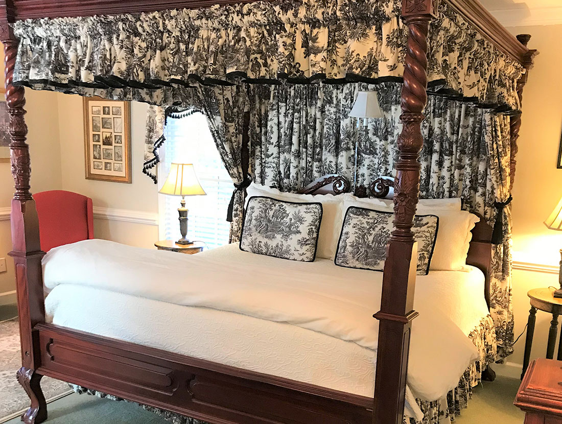 The Adams Bed Chambers A Williamsburg White House Inn, Williamsburg Virginia
