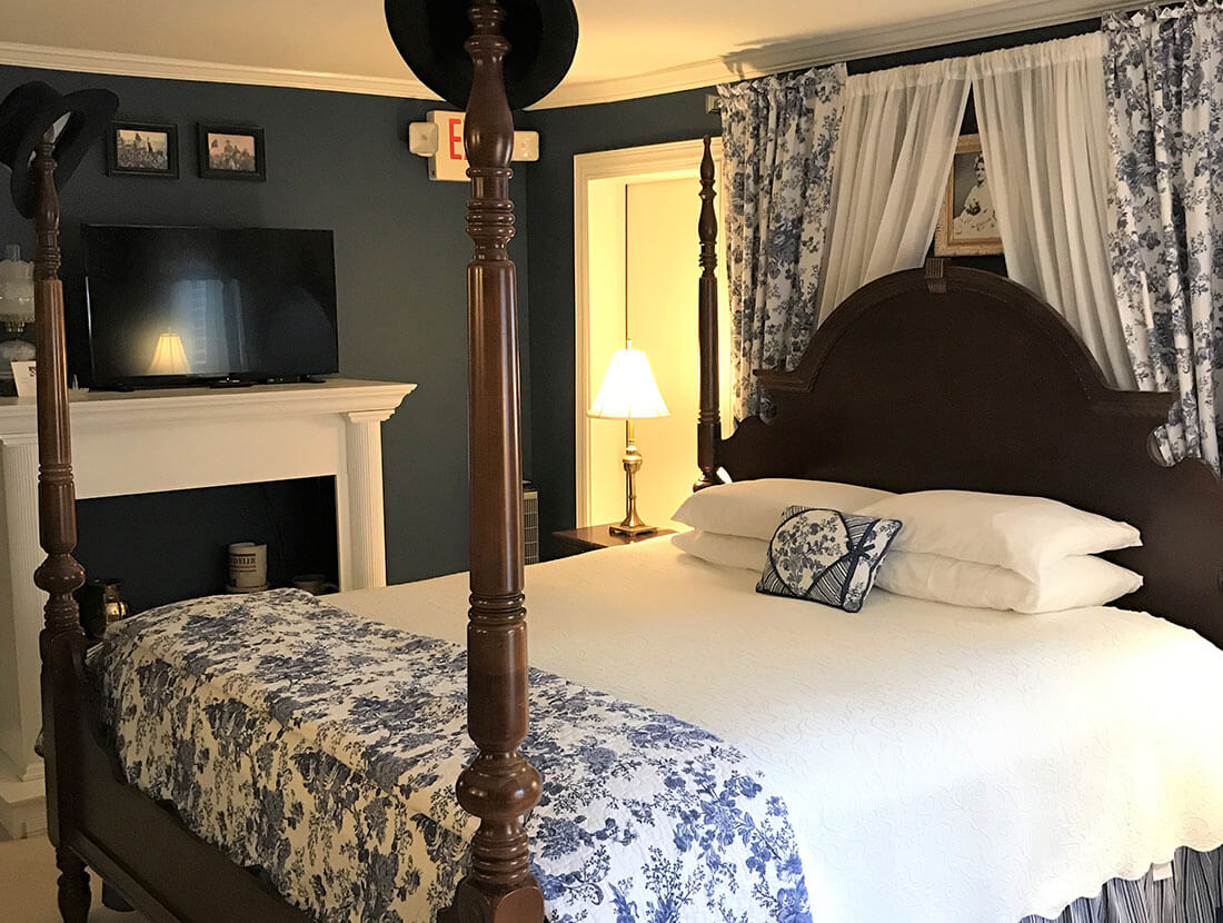 Lincoln Suite A Williamsburg White House BB, Virginia