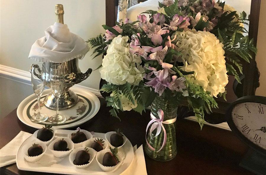 Champagne, Flowers & Chocolate Covered Strawberries A Williamsburg White House, Williamsburg, VA
